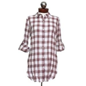 Romeo & Juliet couture crinkled plaid tunic top S